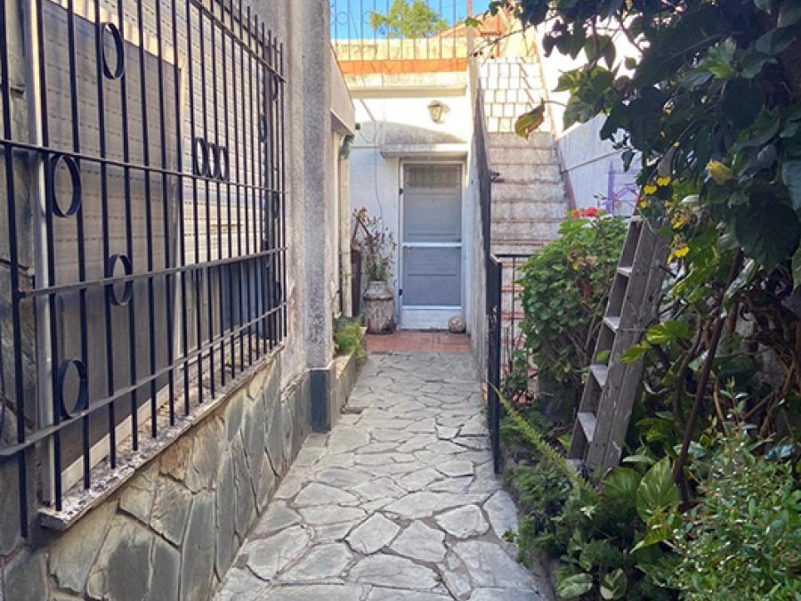 Besares 1886, 3 Habitaciones Habitaciones, ,1 BañoBaño,Casa,Venta,Besares 1886,1461